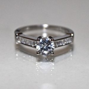 Jewelry - ROUND CUT SHAPE CZ 1.25 TW WOMAN ENGAGEMENT RING 7